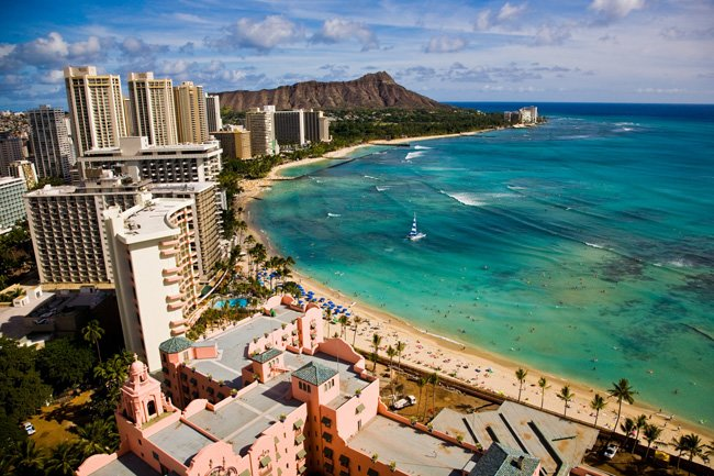 Waikiki beach and Leahi (Diamond Head)