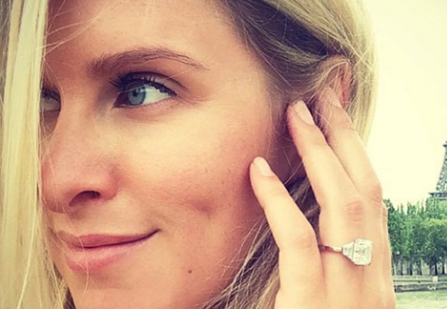 2celeb-engagement-rings-article02