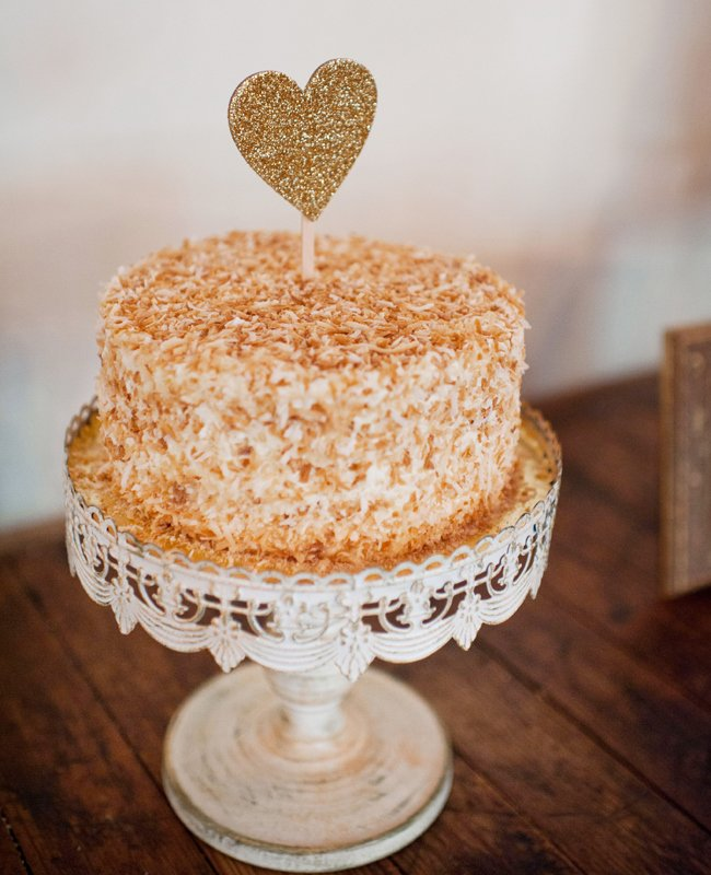 6coconut-wedding-cake