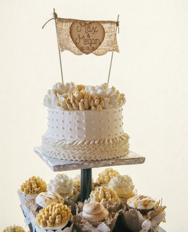 8single-layer-cake-burlap-topper