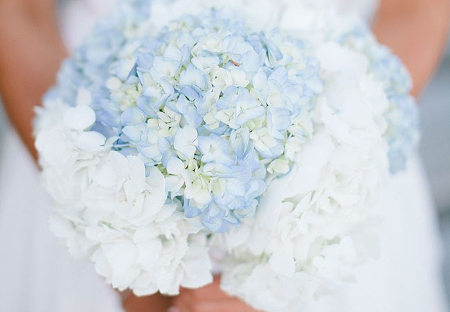 10blue-and-white-hydrangea-bouquet