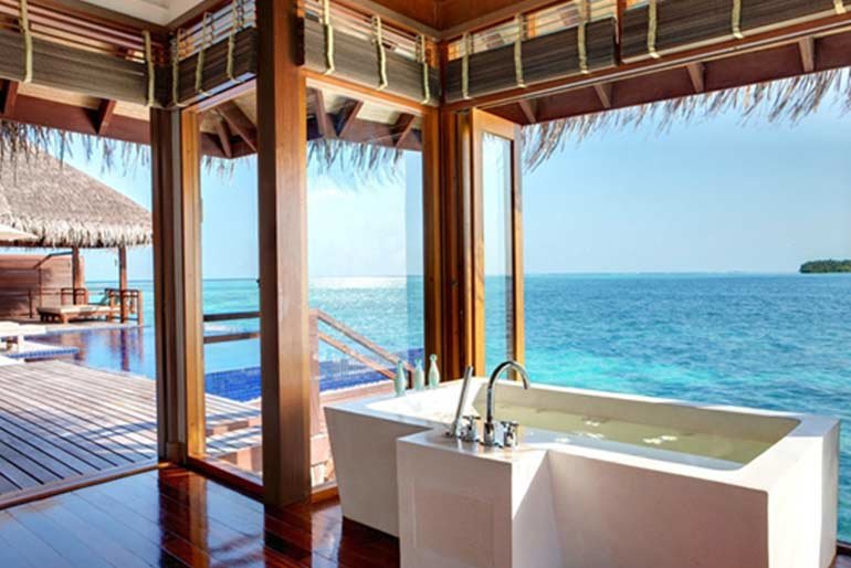 lux-maldives--bathroom-ocean-view