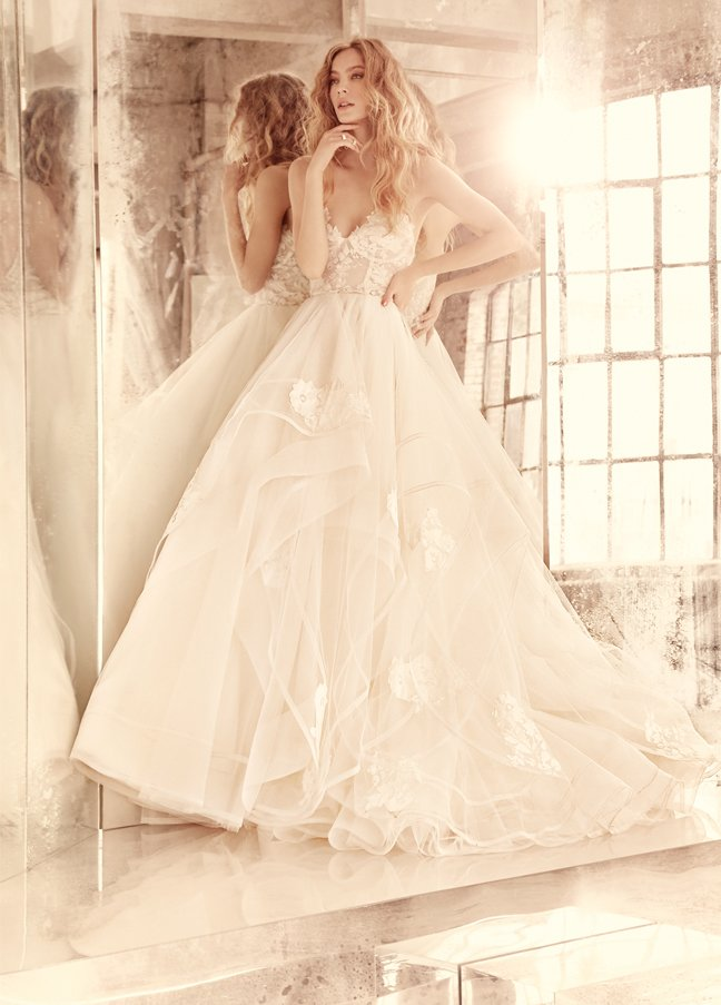 hayley-paige-bridal-tulle-strapless-lace-corset-bodice-cascading-thin-horsehair-edging-lace-applique-6552_zm